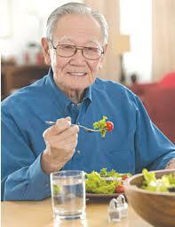 Người bị bệnh huyết áp cao nên và không nên ăn gì?